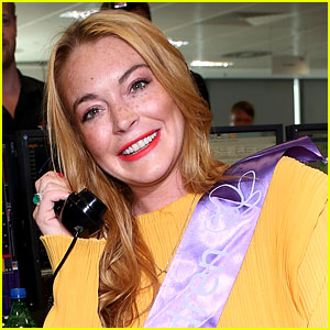 Lindsay Lohan Clarifies Her Finger Was 'Ripped Off', Not Chopped Off