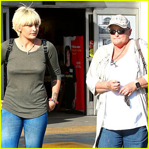 Paris Jackson Spends Quality Time with Cancer-Stricken Mom Debbie Rowe