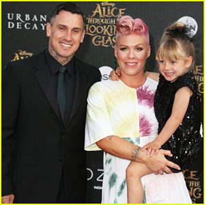 Pink & Carey Hart's Daughter Willow Competes in Her First BMX Race!