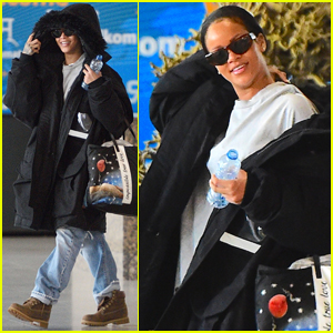 Rihanna Heads Back to NYC After Trip to Paris