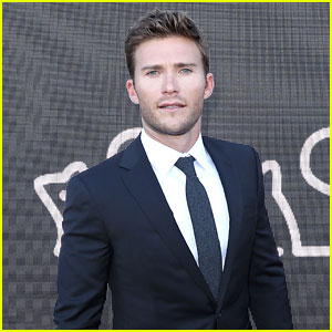 Scott Eastwood Suits Up for Derby Day in Australia!