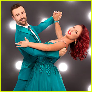 Sharna Burgess Hurts Knee, 'DWTS' Season in Jeopardy (Report)