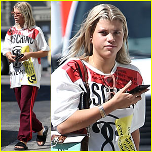Sofia Richie Brings Home a New Friend from a Pet Shop in Beverly Hills