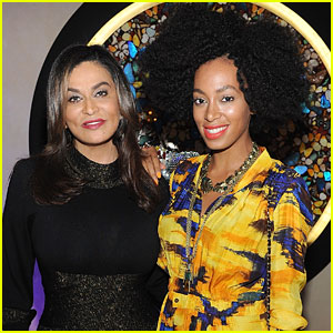 Tina Knowles-Lawson Pulls a Kanye West & Praises Solange Knowles!