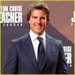 Tom Cruise on a 'Top Gun' Sequel: 'We're Discussing It'