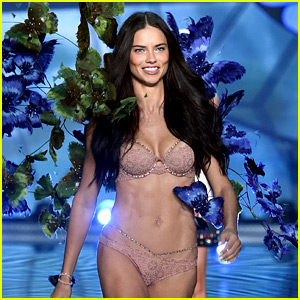 'Victoria's Secret Fashion Show' Heads to Paris for First Time!