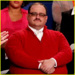 Who is Ken Bone? Viral Debate Star Explains His Red Sweater