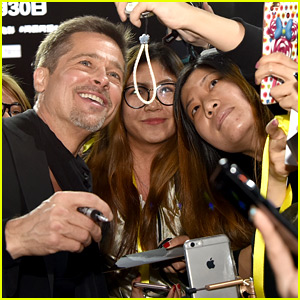 Brad Pitt Proves He is the Most Fan Friendly Guy Around!