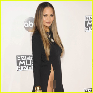 Chrissy Teigen Gives 'Apology' for AMAs Wardrobe Malfunction