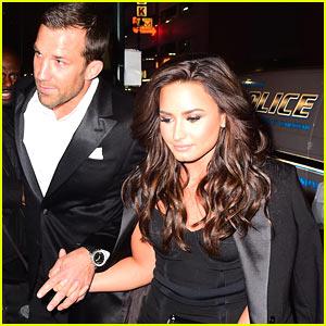 Demi Lovato & Rumored Boyfriend Luke Rockhold Hold Hands Arriving at UFC Fight!