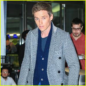Eddie Redmayne Lands in NYC After Appearance on 'Ellen'