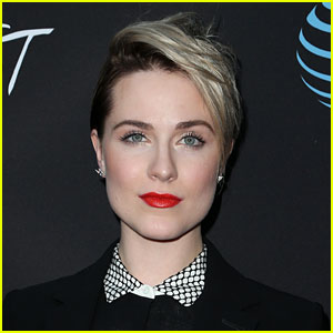 Evan Rachel Wood Announces Social Media Break After Bravely Revealing Sexual Assault