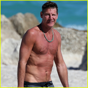 Extreme Makeover's Ty Pennington Goes Shirtless, Puts Toned Body on Display at 52!