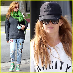 Isla Fisher Enjoys Some Down Time in LA