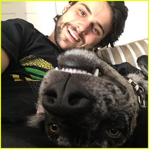 Adriann Weizerling aka Jake Falahee - Page 2 Jack-falahee-selfie-dog-after-sexuality
