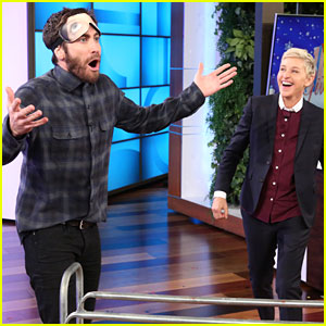 Jake Gyllenhaal Shoots Basketball Blindfolded & Makes Incredible Shot - Watch Now!