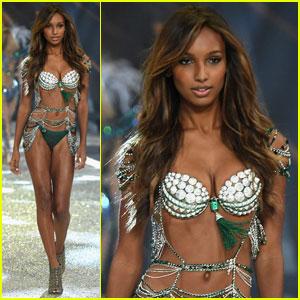 Jasmine Tookes Hits Runway in $3 Million Fantasy Bra at Victoria's Secret Fashion Show 2016