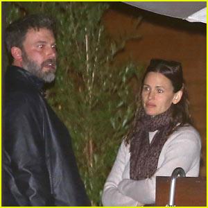 Jennifer Garner & Ben Affleck Grab Dinner in Malibu