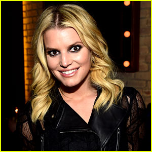 Jessica Simpson Dressed as 'Sandra Double Dee' for Halloween