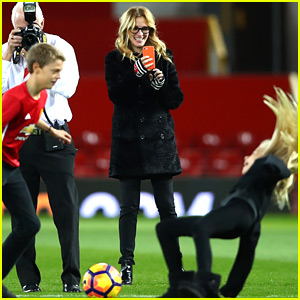 Julia Roberts Is the Best Soccer Mom, Takes Kids to Manchester United Game!