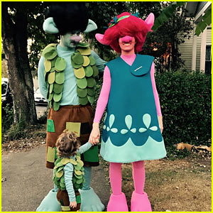 Justin Timberlake, Jessica Biel & Son Silas Trick-or-Treat as 'Trolls' for Halloween!