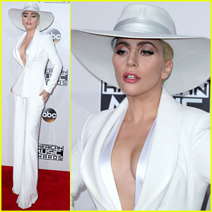 VIDEO: Lady Gaga Rocks Out to Bruno Mars at AMAs 2016!