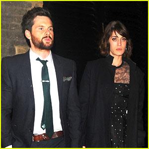 Lizzy Caplan & Fiance Tom Riley Enjoy Date Night in London