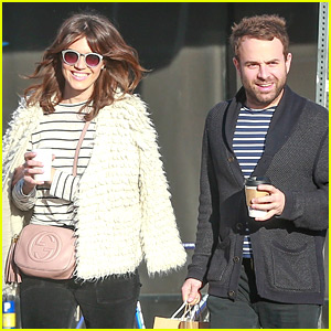 Mandy Moore & Boyfriend Taylor Goldsmith Match in Stripes!