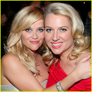 Reese Witherspoon & Wild's Cheryl Strayed React to 'Gilmore Girls' Shout Outs!