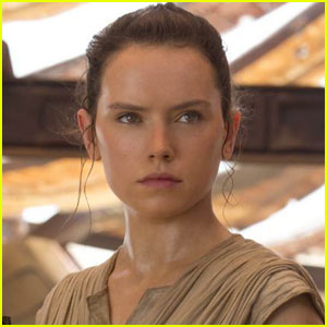 'Star Wars' Reddit Fan Proposes Interesting Theory About Rey's Family