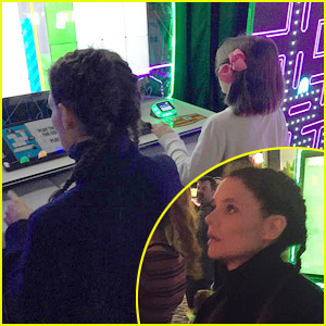 Suri Cruise Beats Mom Katie Holmes at Thanksgiving Games!