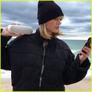 VIDEO: Taylor Swift's Mannequin Challenge Ends in a Thanksgiving Dance Party!