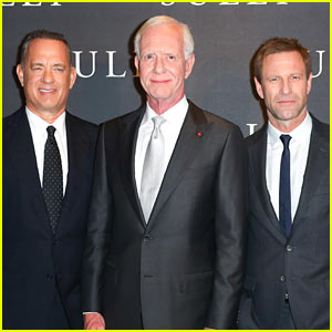 Tom Hanks Premieres 'Sully' with The Real Captain Sully!