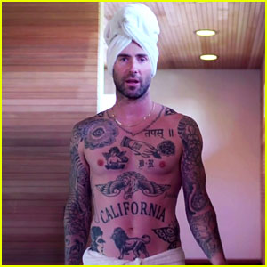 VIDEO: Shirtless Adam Levine Invites Fans Into the Shower for 'The Voice' Finale Sketch!