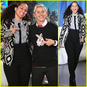 VIDEO: Alicia Keys Calls 'The Voice' Rigged After Blake Shelton's Team Wins Again!