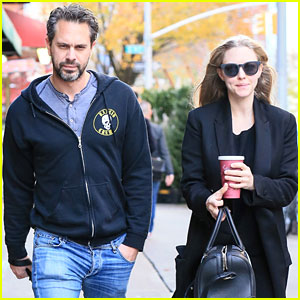 Amanda Seyfried & Fiance Thomas Sadoski  Step Out After Pregnancy News!