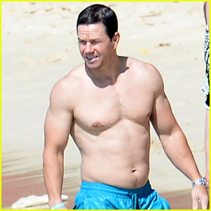 New Mark Wahlberg Shirtless Photos for the New Year!.... : Just Jared ...