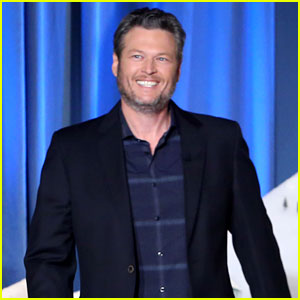Blake Shelton Says It's an 'Eye Opener' to Date Gwen Stefani