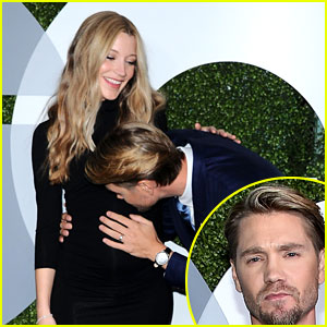 Chad Michael Murray Kisses Pregnant Wife's Baby Bump on the Red Carpet!