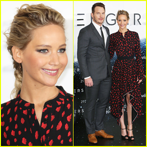 Chris Pratt Hilariously Cuts Jennifer Lawrence Out Of 'Passengers' Press Tour Selfies!