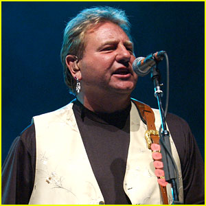 Greg Lake Dead - Emerson, Lake, & Palmer Singer Dies at 69 From Cancer