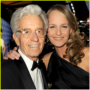 Helen Hunt Pays Tribute to Her Dad Gordon After His Death