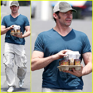Hugh Jackman Puts His Muscles on Display in Tight Tee!
