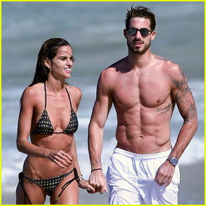 Izabel Goulart is 'Waiting for 2017' on the Beach with Kevin Trapp