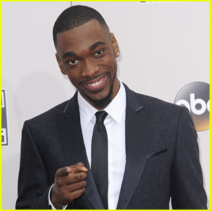 VIDEO: Jay Pharoah Freestyles to Eminem, Jay-Z, & More, Calls Out Shia LaBeouf