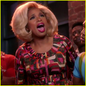 VIDEO: Jennifer Hudson Goes Behind-the-Scenes of 'Hairspray Live!' Hours Before Showtime!