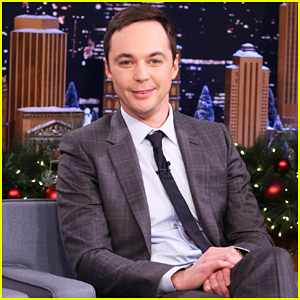 VIDEO: Jim Parsons Almost Has Panic Attack Playing 5-Second Summaries with Jimmy Fallon!