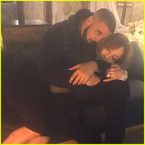 Jennifer Lopez & Drake Cuddle Up in New Instagram Pic!