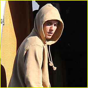 Justin Bieber Leaves Town with Mystery Female