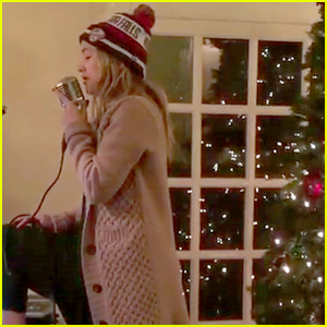 VIDEO: Kate Hudson Sings 'Have Yourself a Merry Little Christmas' for Her Fans